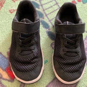 Nike black kids